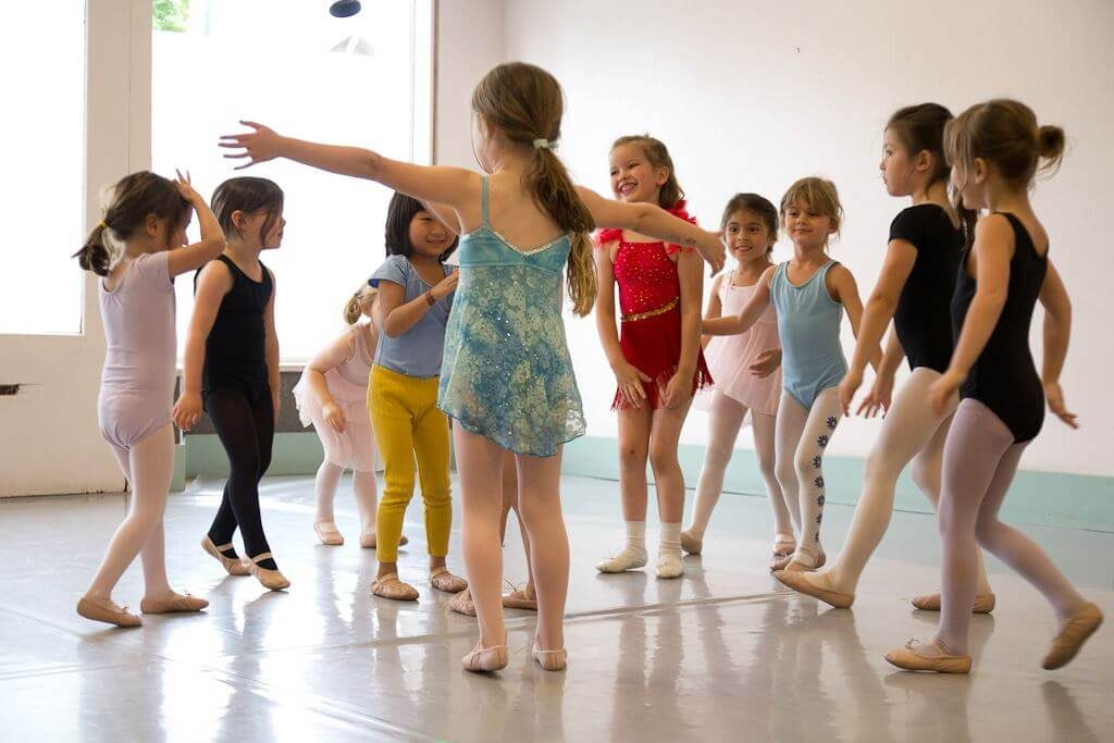 Children's dance classes for dancers 3 ½ to 7 years old
